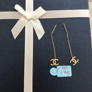 Chanel dangle earrings in 18k solid gold